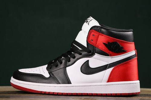 Air Jordan 1 (1) Satin Black Toe Women